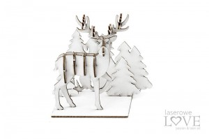 Chipboard - Raindeer coming out from the woods, 3D - Cinnamon Christmas
